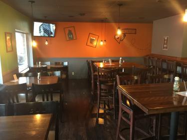Brew Link dining room