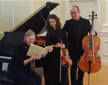 https://assets.simpleviewinc.com/simpleview/image/upload/crm/newportri/essex-piano-trio2_dbd1eed7-5056-b3a8-49478485c178cf85.jpg