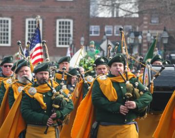 https://assets.simpleviewinc.com/simpleview/image/upload/crm/newportri/st-patricks-2014_credit-Discover-Newport-0057_0f460cd6-5056-b3a8-498d8dc5e3882c130_ce1d00fd-5056-b3a8-49ef66477bb0c5d4.jpg