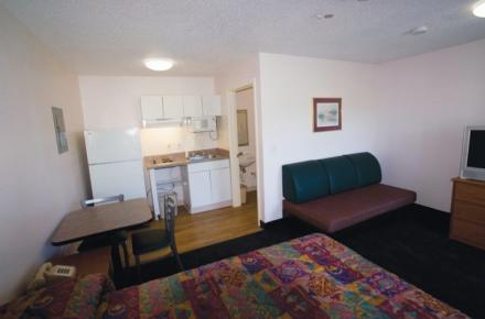 Intown Suites - N Collins Image 1
