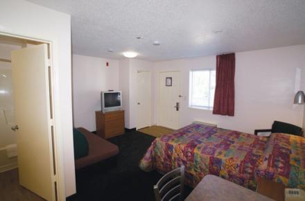 Intown Suites - N Collins Image 2