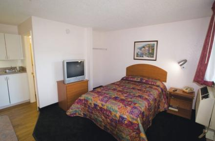 Intown Suites - N Collins Image 4
