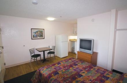 Intown Suites - N Collins Image 5