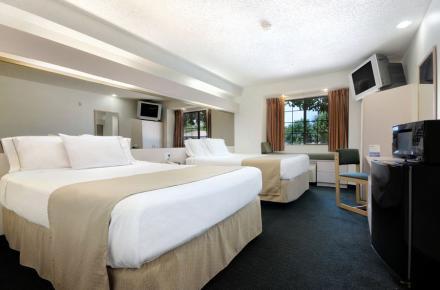Microtel Inn guestroom