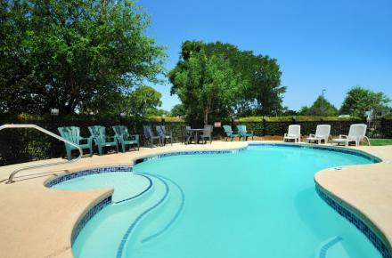 Microtel Inn swimming pool