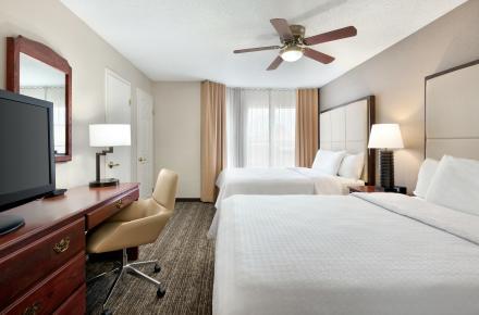 Queen Bedroom 2 Room Suite 03
