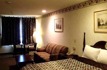 Ranger Inn & Suites Image 4