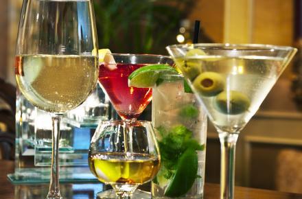 Happy Hour at Van Gogh Bar & Lounge at The Sanford House | Arlington, TX Fine Dining