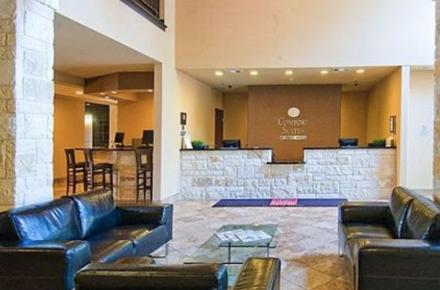 Comfort Suites Arlington Image 3