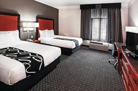 LA Quinta Inn & Suites South Image 1