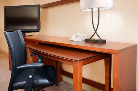 Courtyard By Marriott Arlington Image 3
