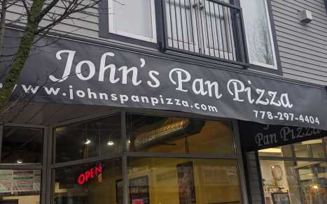 John's Pan Pizza