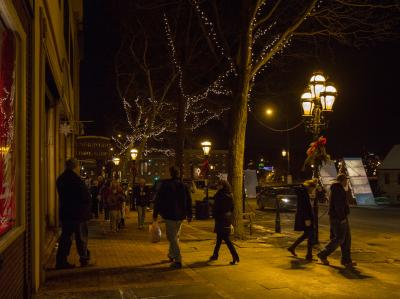 Christmas in Bethlehem - Main Street 02 - Discover Lehigh Valley