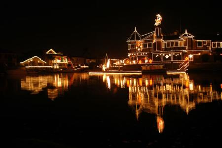 The Cruise of Lights in Huntington Harbour is a breathtaking HB holiday tradition! (Photo courtesy of the log.com)