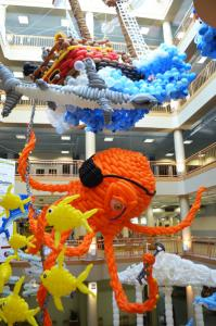 An under the sea story told by balloons