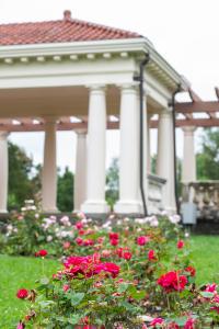Sonnenberg Rose Gardens