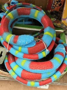 Horner Novelty toy plastic snake