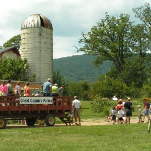Great-Country-Farms-hayride-300x300