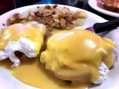 Eggs Benedict on plate at Tommy's Diner