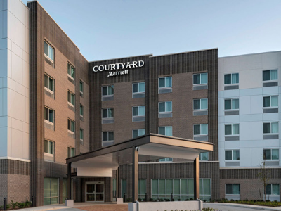 Exterior view of Courtyard by Marriott Lake Pointe.