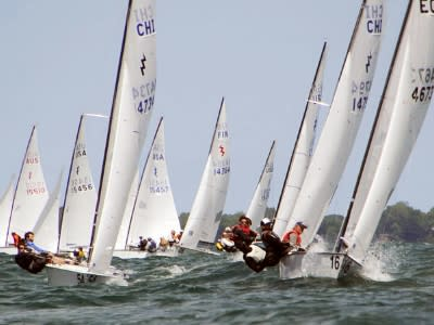 Lightning Class boats race on Lake Ontario