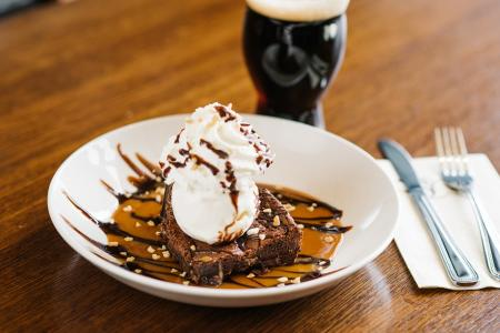 iron-hill-brewery-chocolate-dessert