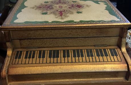 Baw Resale Piano