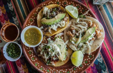 Tacos La Bamba meal