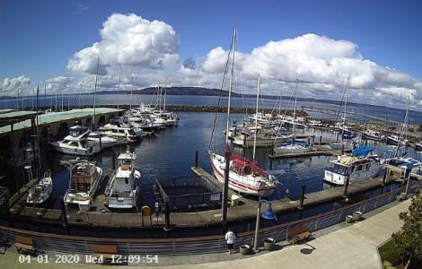 Des Moines WA Marina Webcam