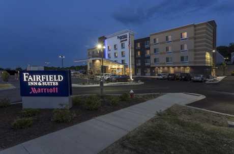Fairfield Inn & Suites Geneva