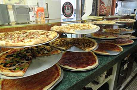 BBs pizza interior for TourCayuga