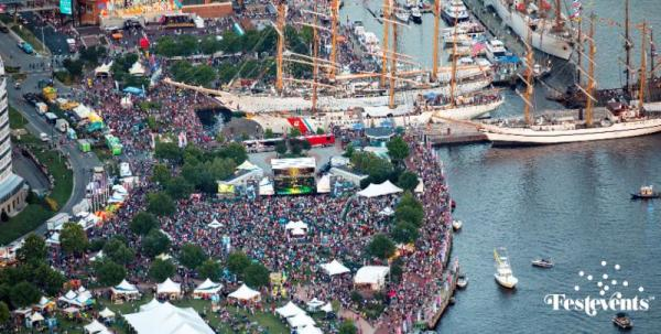 Crowd at Harborfest in Norfolk