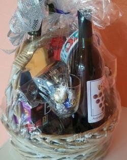Gilded Grape Winery & Wine Bar Gift Basket