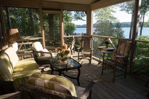 Cedar Cove On The Lake Screened In Porch