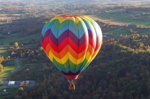 Royalty Ballooning Fall Flight