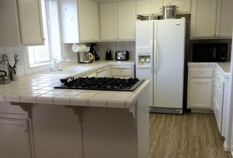 Addie Vacation Townhomes Kitchen