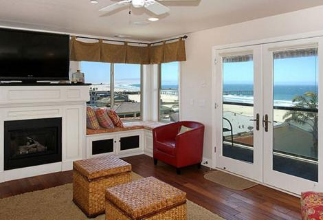 Coastal Vacation Rentals Room