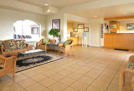 Edgewater Inn Lobby