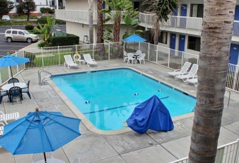 Pismo Beach Motel 6 Pool