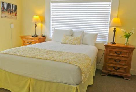 Pismo Beach Hotel Room
