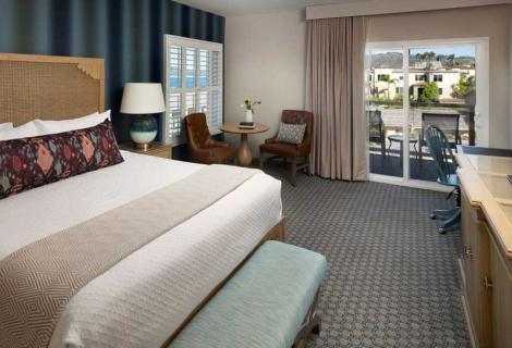 Spyglass Inn Room