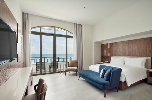 Grand Ocean Front Suite
