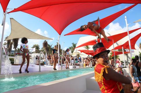 Fiesta en The Oasis Beach Club