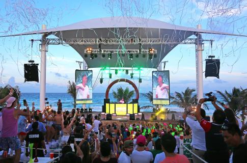 Conciertos en The Oasis Beach Club