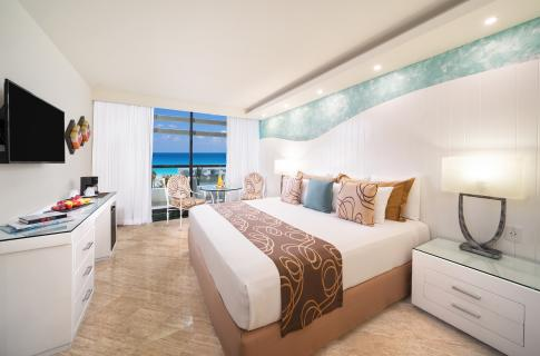 Vista al mar desde una habitación en Grand Oasis Cancún