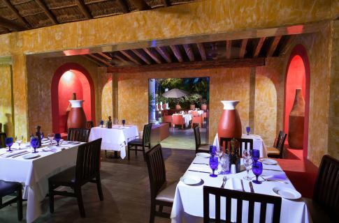 Restaurante en el hotel Grand Oasis Cancún
