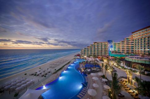 Hard Rock Hotel Cancun - 3