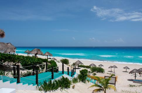 Playa Delfines 2