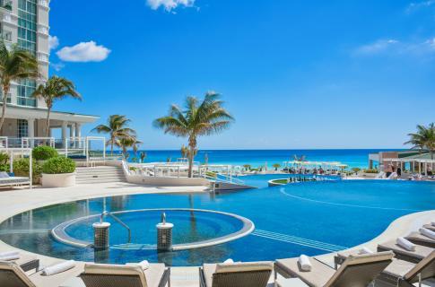 Sandos_Cancun_Main_Image (2).jpg