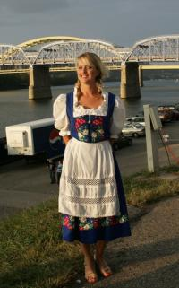 newport oktoberfest girl
